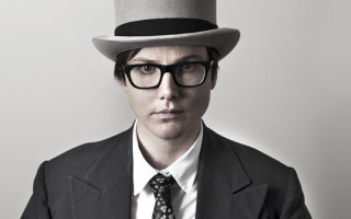 Hannah Gadsby Is A Wife Hunter