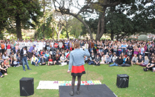 Perth Rally Pulls Big Numbers