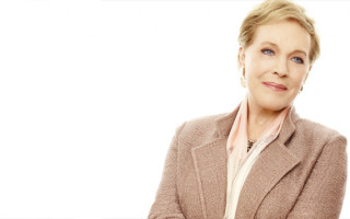 Julie Andrews Heads to Perth