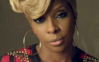 Mary J. Blige Doesn't Mess Around in 'Right Now' Video