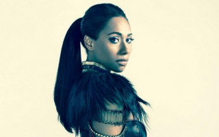 Paulini wishes you a Merry Christmas with new album