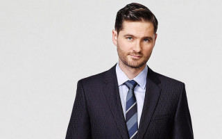 Charlie Pickering: Turnbull's being bullied by his own party