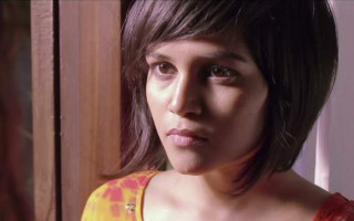 Landmark Indian Ad Features Lesbian Couple