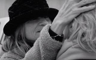 Adele's 'Hello' re-imagined as a beautiful lesbian romance