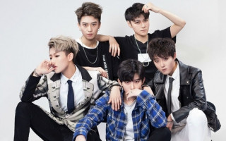 "China's newest ""boy band"" are all androgynous females"