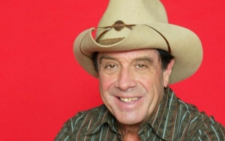 Molly Meldrum: it's ridiculous that we have to listen to Margaret Court