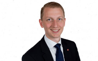 Senator James Paterson announces his own conservative marriage bill