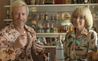 Review | Kylie Minogue shines in throwback Aussie comedy Swinging Safari