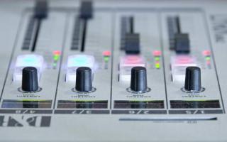 Melbourne radio station J-AIR replaces program after homophobic broadcast