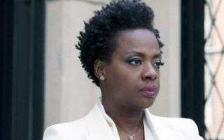 The film remake of 'Widows' cleverly updates the story with modern themes