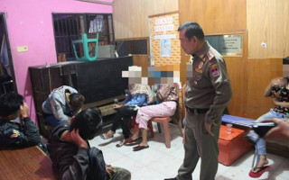 Indonesian police arrest 10 women in LGBT+ crackdown