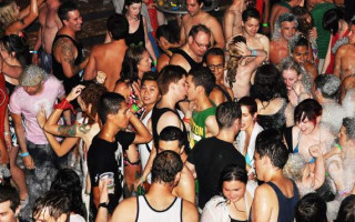 People, music, fashion – What makes a queer bar queer?