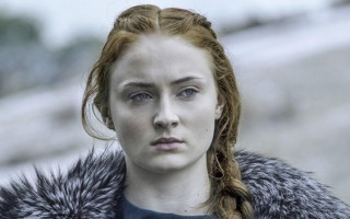 "Game of Thrones' Sophie Turner: ""I love a soul, not a gender"""