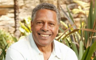 Ernie Dingo leads the cast of the 30th anniversary tour of 'Bran Nue Dae'