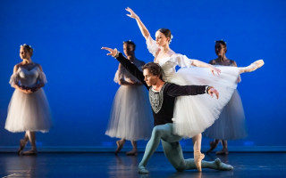 WAAPA bids farewell to graduating dancers with 'Verge'