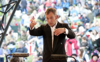 Perth Symphony Orchestra appoints Charles Hazlewood as 'artistic patron'