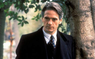 Actor Jeremy Irons reassures fans he supports marriage equality