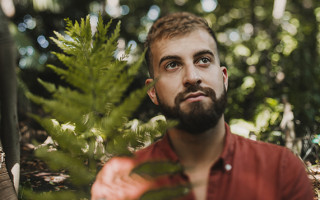 Philip La Rosa returns with romantic new tune 'Paradise'