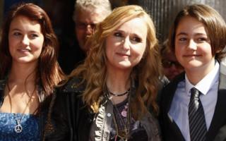 Melissa Etheridge's son, Beckett Cypher, dies aged 21
