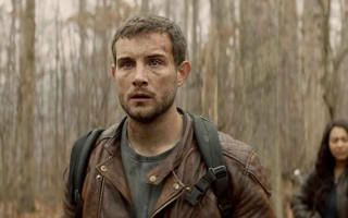 Nico Tortorella captures our attention in 'The Walking Dead – World Beyond'