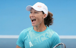 Sam Stosur chats about how hard it was for her to come out