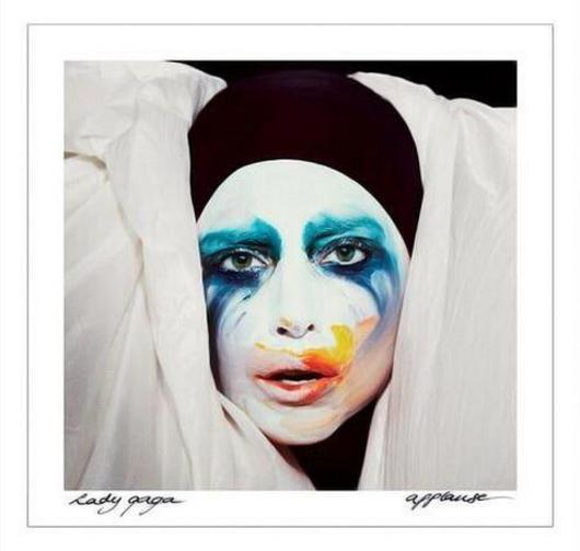 Gaga Applause