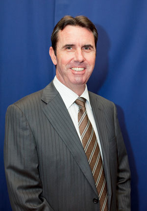 Hon Peter Collier headshot