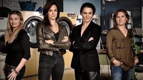 Lesbians in prison scene - 1 2