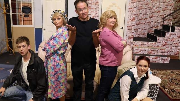 Limelight theatre takes on the farcical 39 caught in the net for Farcical run out