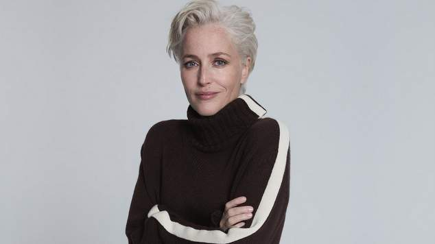 Gillian Anderson she is now a fashion designer The collaboration, announced Anderson